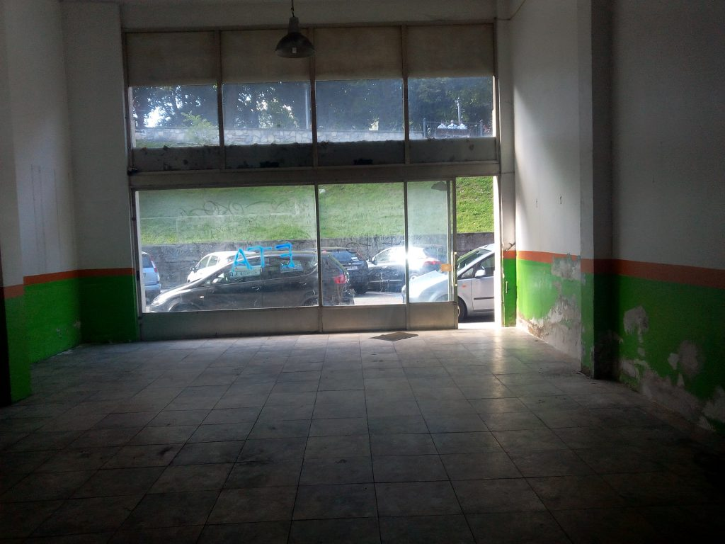 Alquiler local salvador etxeandia ir n for Alquiler garaje irun